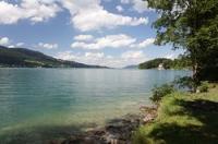 Der Attersee (auch Kammersee - benannt nach dem Schloss Kammer in Seewalchen am Attersee) ist nicht nur der größte See im Salzkammergut, er ist auch Österreichs größter Binnensee. Neusiedlersee und Bodensee sind zwar flächenmäßig größer, liegen