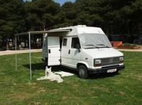 Fiat Ducato 280 Campingbus. Der Fiat Ducato wurde baugleich als Peugeot J5, Citroën C25, Alfa Romeo AR6 und Talbot Express angeboten.