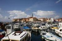 Rovinj in Istrien, Kroatien: Tourismusmagent mit Geschichte. Die Stadt Rovinj (italienisch Rovigno) ist neben Porec und Pula die bedeutendste Küstenstadt an der Westküste der Halbinsel Istrien in Kroatien.
